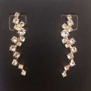 BaubleBar Jewelry - NWT Baublebar Farah Ear Crawlers